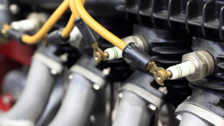 Svječice za auto nalaze se u motornom prostoru neposredno ispod motora